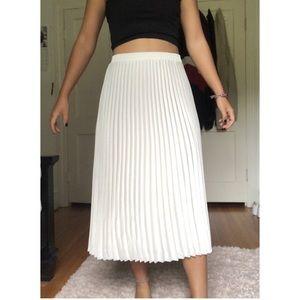 NWOT white midi skirt